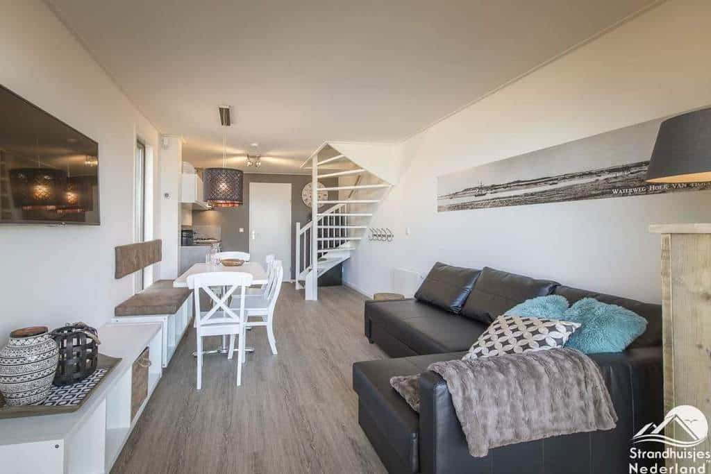 Binnenkant-strandhuisje-Landal-Hoek-van-Holland