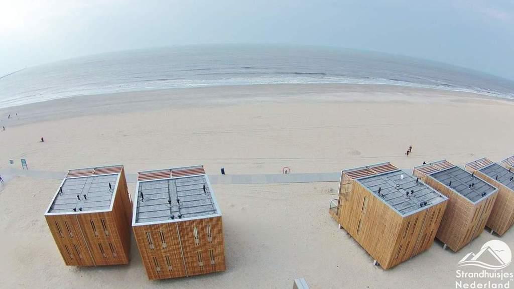 Strandhuisjes-Hoek-van-Holland-vanuit-de-lucht-3
