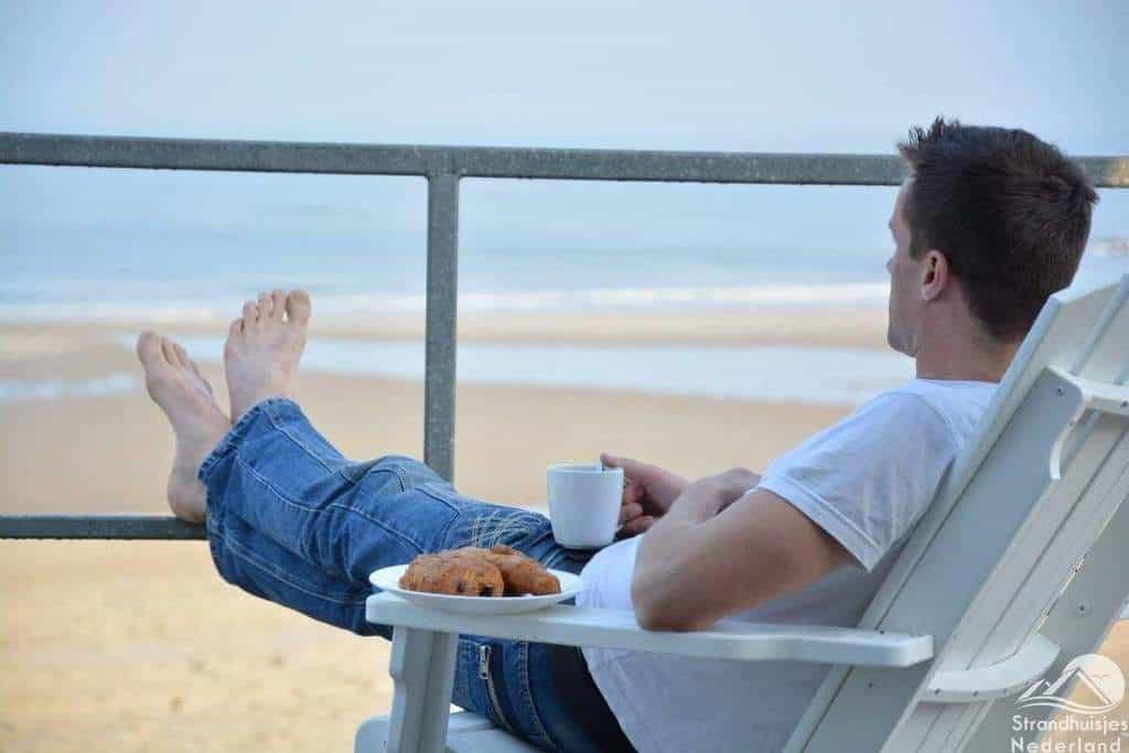 Ontbijt-vanaf-strandterras
