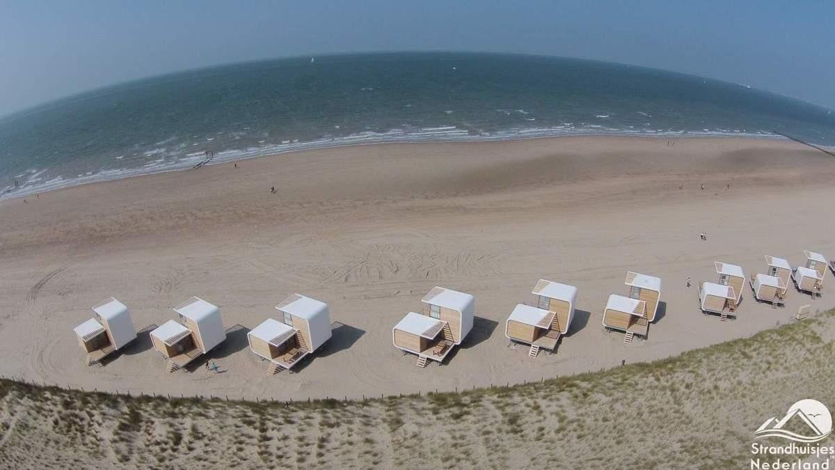 strandhuisjes-Nieuwvliet-vanuit-de-lucht