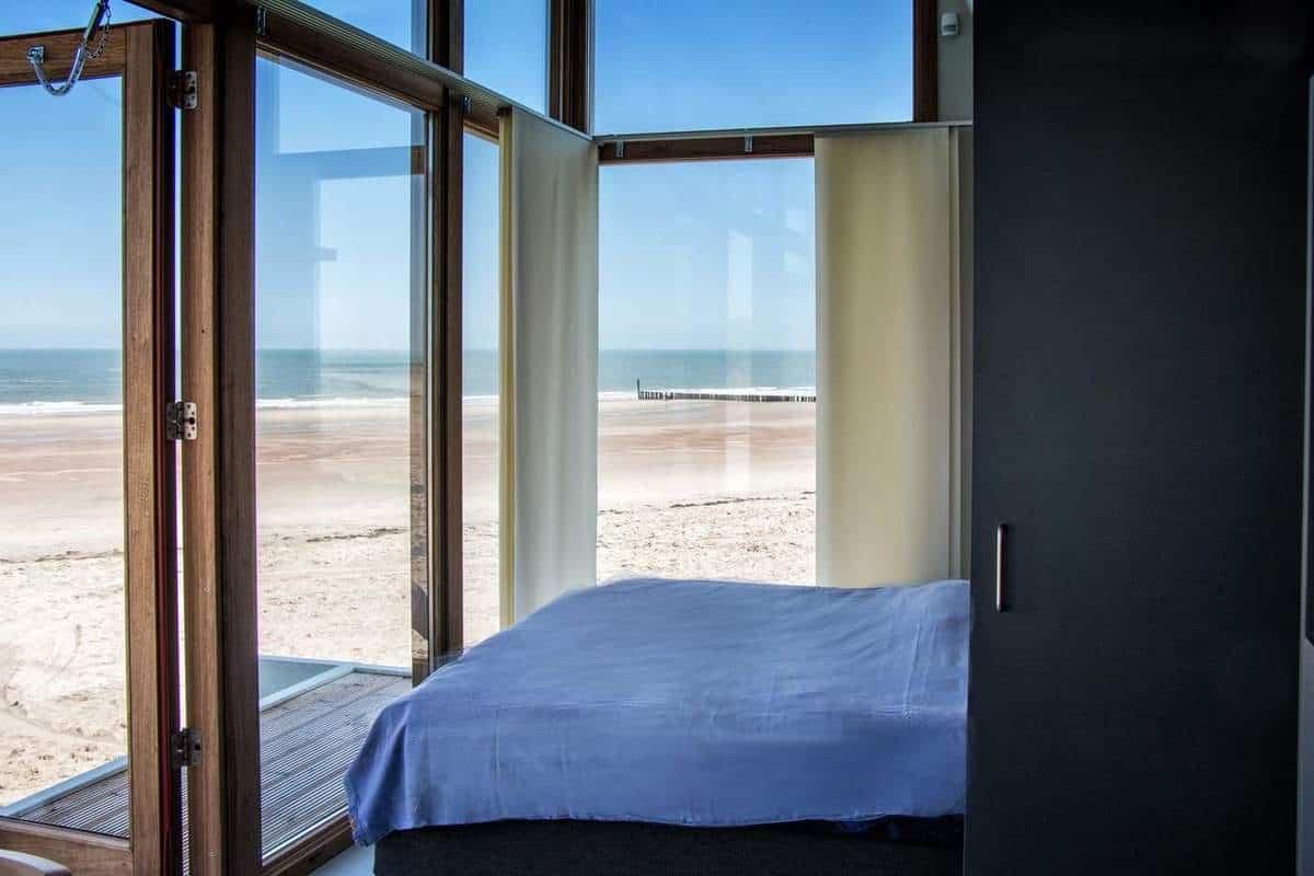 wakker worden met zeezicht - strandhuisje Cadzand-Bad