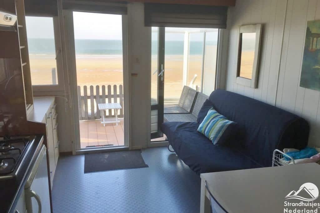 woonruimte-strandhuisje-Dishoek