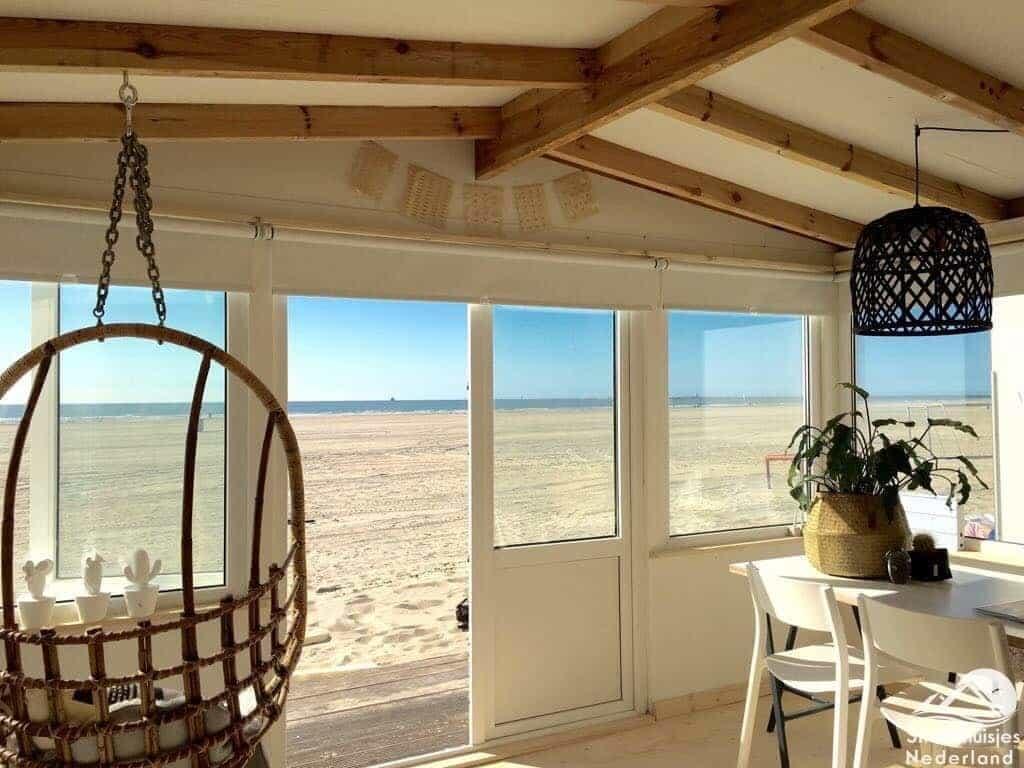 interieur-strandhuisje-IJmuiden-aan-Zee