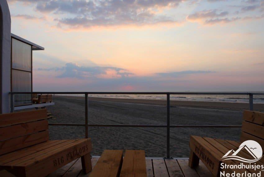 Terras Nieuwvliet strandhuisje