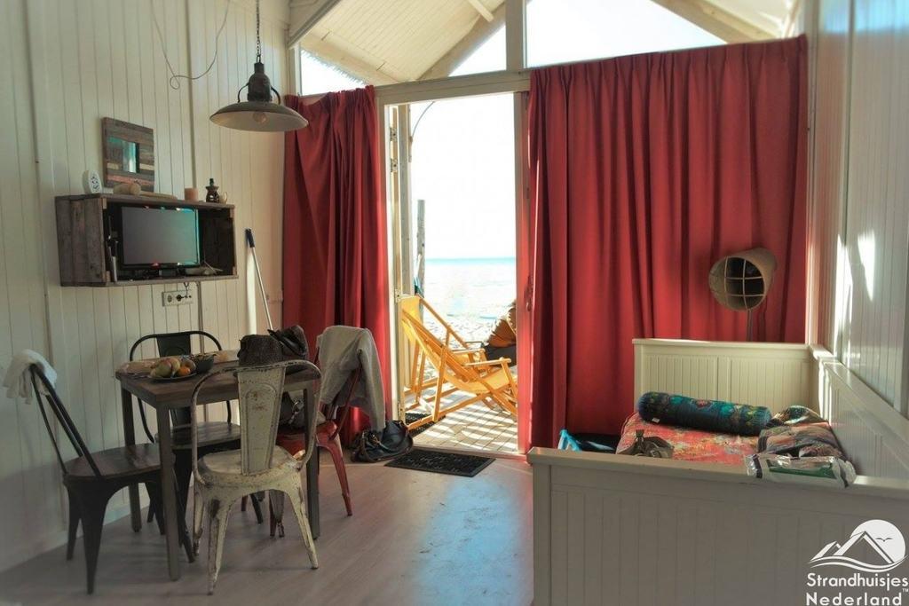 Interieur strandhuisje Katwijk - STRANDHUISJE.NL