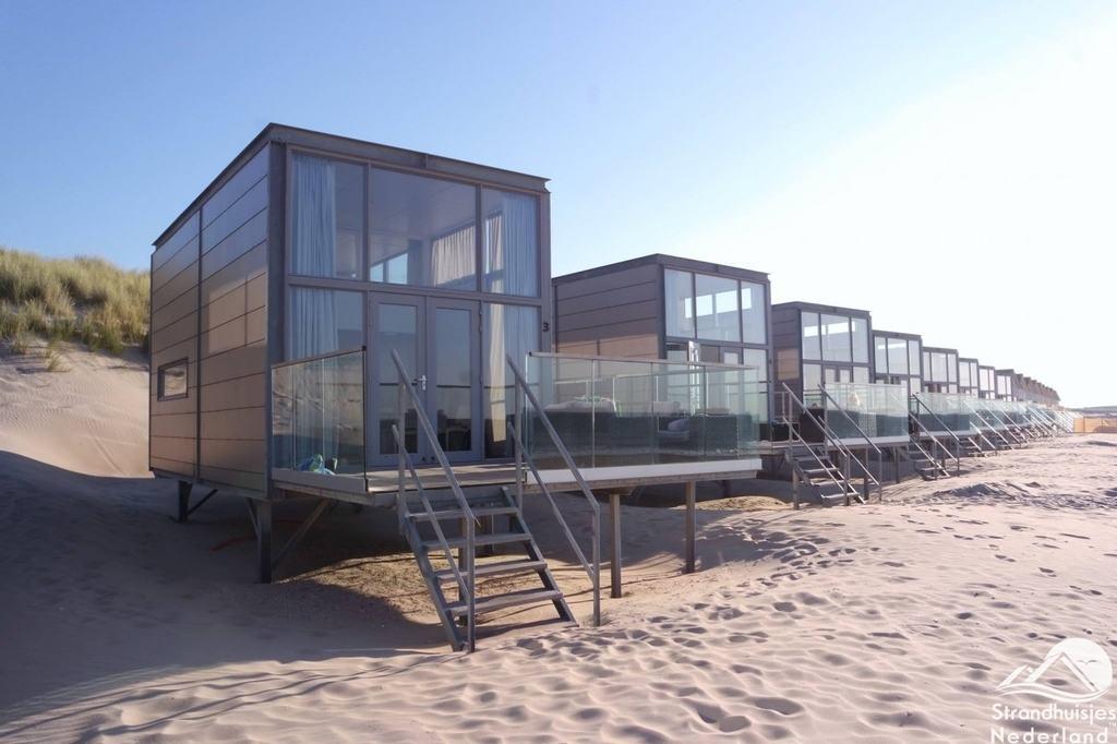 slaapzand luxe strandhuisje boek huisje aan zee bij domburg zeeland. Black Bedroom Furniture Sets. Home Design Ideas