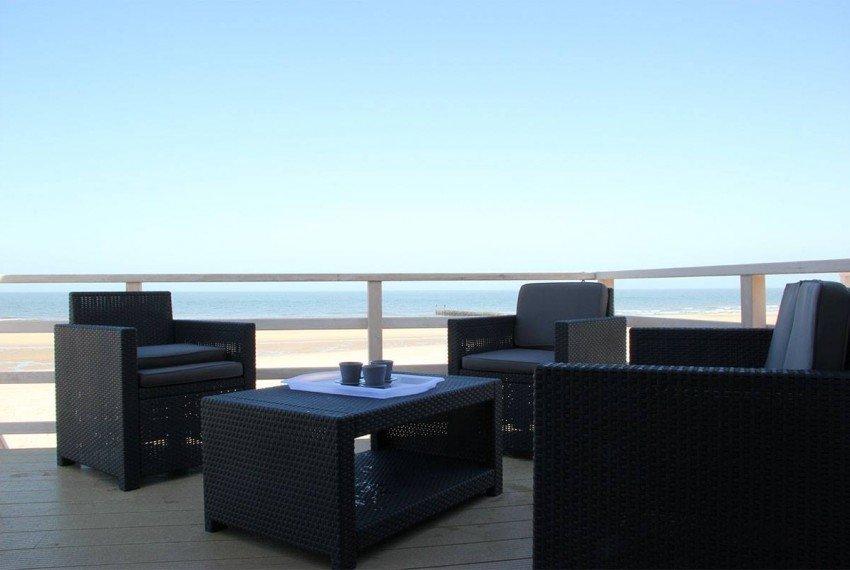 Terras met loungeset Stranddroom
