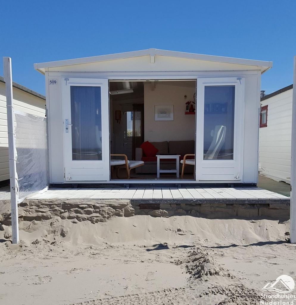 Strandhuisje ijmuiden strandhuisjes for Holland deuren service