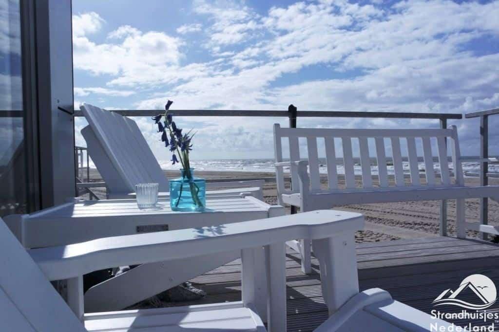 Gemeubileerd terras strandhuisje julianadorp