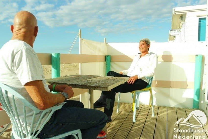 Genieten op het terras van een strandhuisje Key West Katwijk aan Zee...