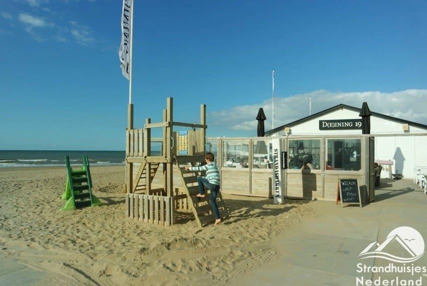 Speeltuintje Bij strandpaviljoen in Katwijk aan Zee
