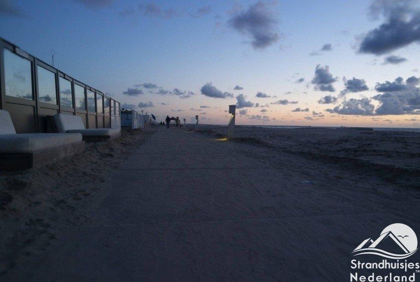 Strand s'avonds Wijk aan Zee