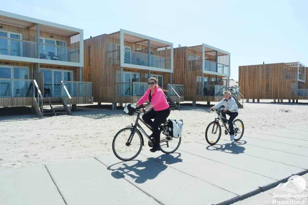 Verhard pad voor strandhuisjes Hoek van Holland