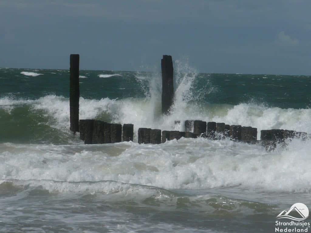 Zee bij storm Dishoek