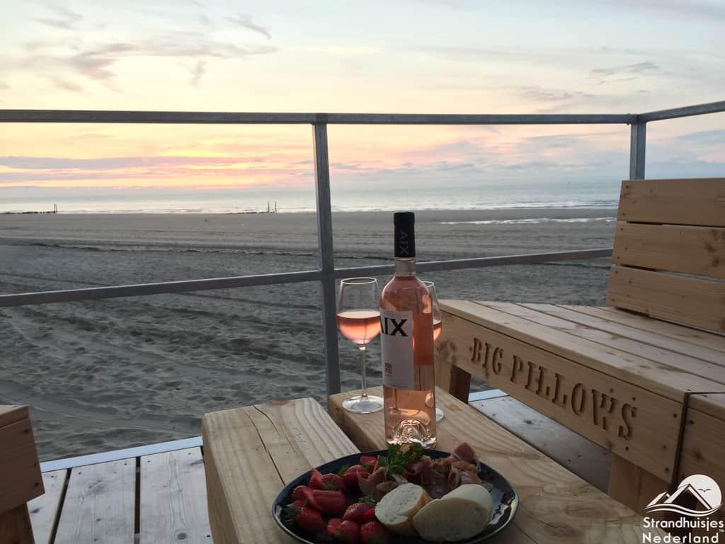 Strandterras strandhuisje Nieuwvliet