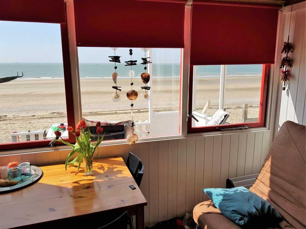 Zeezicht strandhuisje Westduin 116