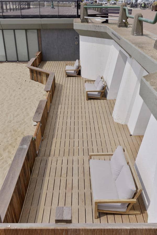 De terrassen zijn direct aan de boulevard van Vlissingen