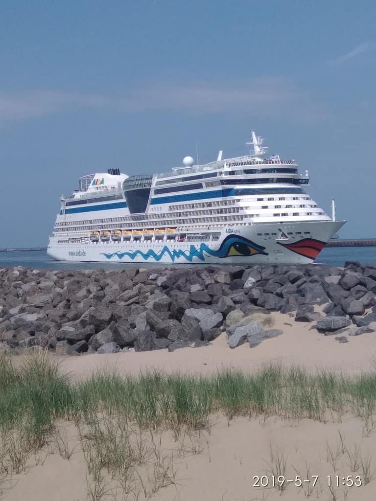Cruise schip IJmuiden aan Zee