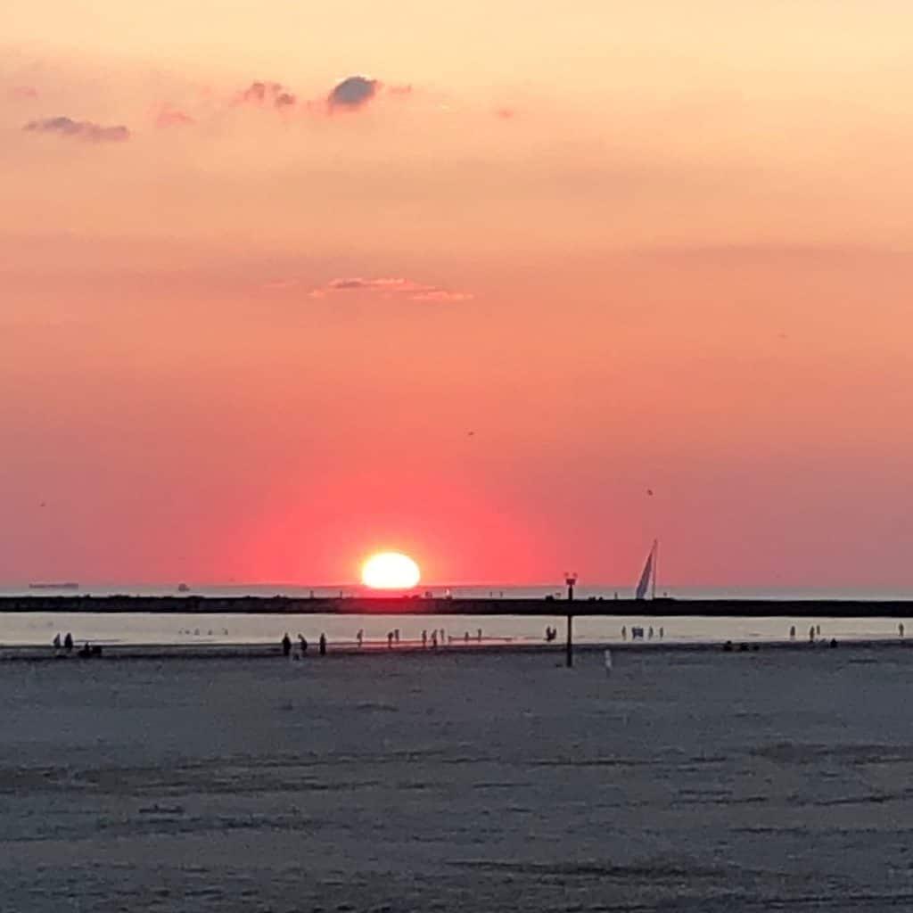 Zonsondergang strand IJmuiden