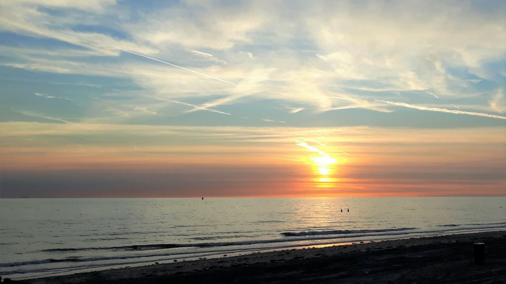 Zonsondergang strand Westduin, Zeeland