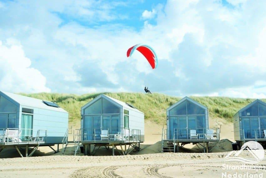 parasailen strandhuisjes Julianadorp